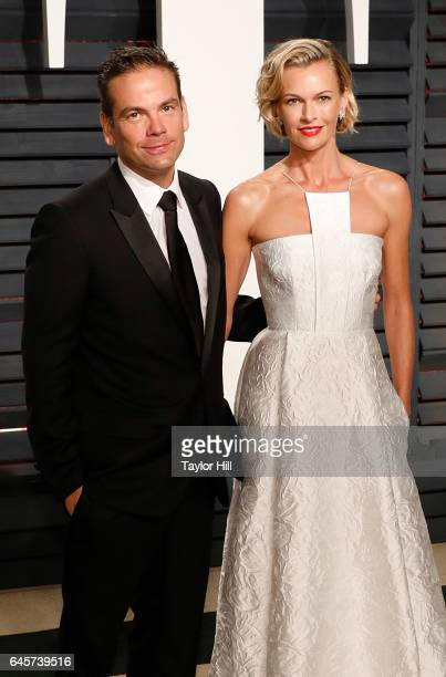 21st Century Fox CEO Lachlan Murdoch and Sarah Murdoch attend 2017 Vanity Fair Oscar Party Hosted By Graydon Carter at Wallis Annenberg Center for...