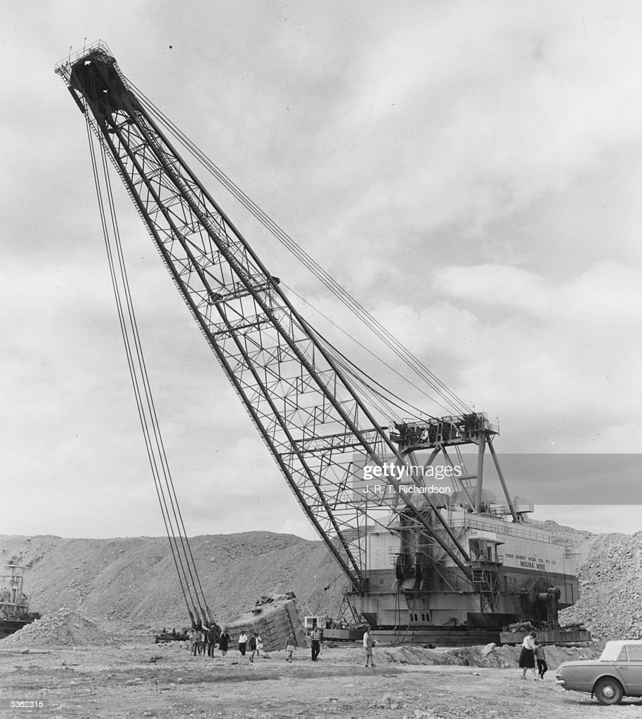 A walking dragline the Marion 8900 in operaition at the Moura Mine in Queensland Australia Built to supply Japanese steelmakers with large quantities...