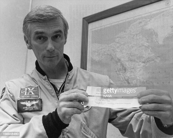 Eugene Cernan Stock Photos and Pictures | Getty Images