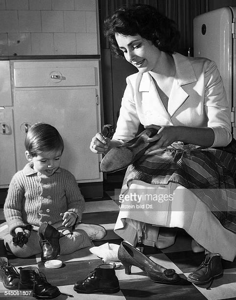 *Schauspielerin Dmit Sohn Andreas 1960