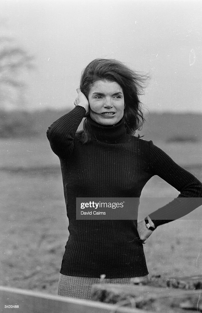 Jackie Onassis (1929 - 1994), wife of Greek ship-owner Aristotle Onassis and widow of US president John F Kennedy.
