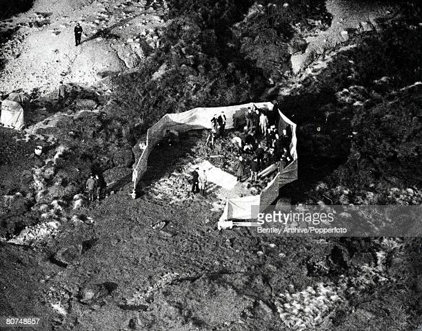 22nd October 1965 A view from the air shows the Police conference behind the canvas screen alongside the moorland grave where the body of John...