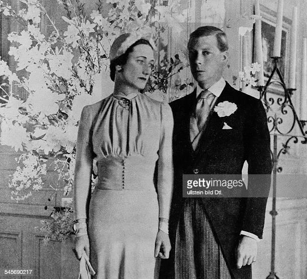 23061894als Edward VIII König von England danach AbdankungHochzeit mit Wallis Simpson auf Chateau de Cande Portraitaufnahme des Paares