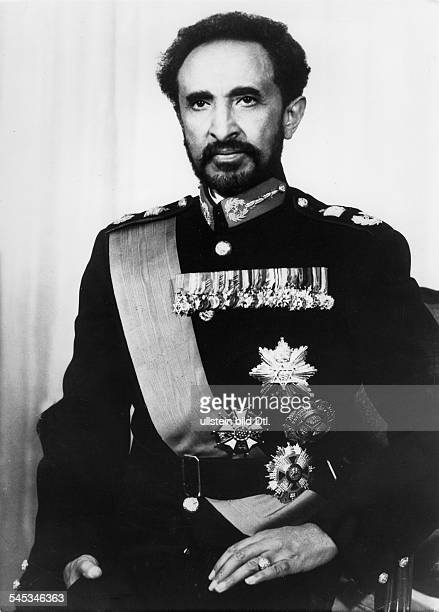 *23071892Ras Tafari MakkonenKaiser Äthiopien 19301974 Porträt in Uniform
