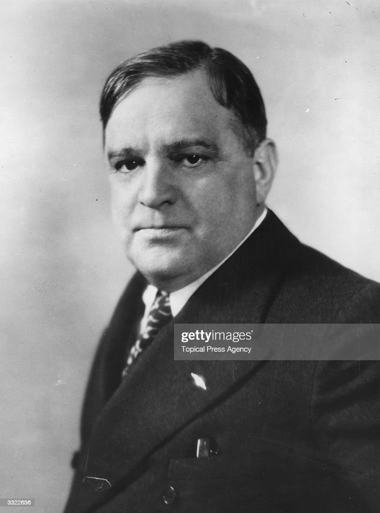 <a gi-track='captionPersonalityLinkClicked' href=/galleries/search?phrase=Fiorello+La+Guardia&family=editorial&specificpeople=93387 ng-click='$event.stopPropagation()'>Fiorello La Guardia</a> (1882 - 1947), Mayor of New York, USA.