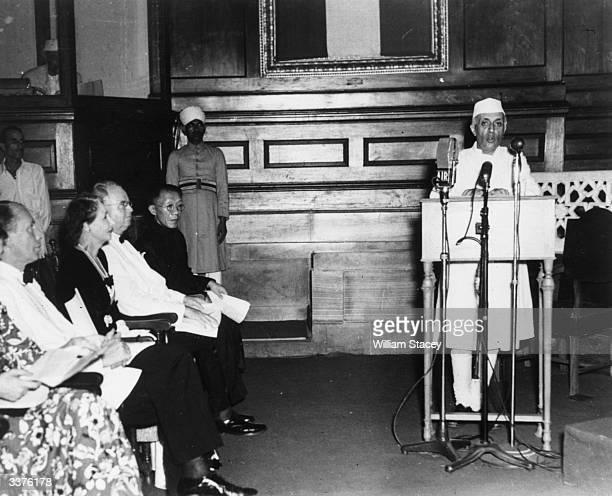 Pandit Jawaharlal Nehru making his speech on the midnight session of the Indian CA when the new selfgoverning dominion of India was formed Chinese...