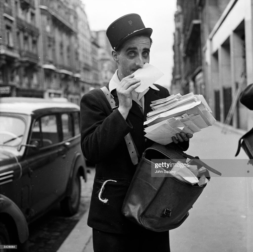 The Parisian postman recognises a love letter because of its perfume.