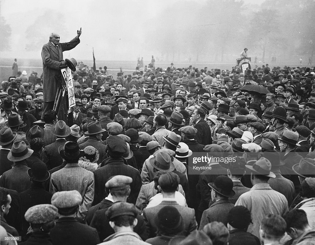 Addressing crowds at Speakers' Corner in Hyde Park, Communist MP Saklatvala Shapurji calls for the release of the Reichstag Fire suspects in Germany. The fire, which burned down the Reichstag parliament building, was allegedly started by Communist Party member Marinus van der Lubbe and gave the German government a pretext to introduce a state of emergency across the country and suppress opponents of the Nazi regime.