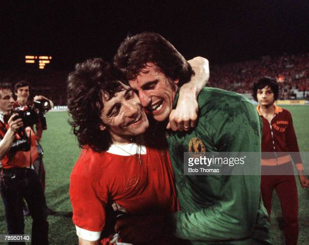 25th May 1977 Rome Italy European Cup Final Liverpool 3 v Borussia Moenchengladbach 1 Liverpool's Kevin Keegan and goalkeeper Ray Clemence embrace in...