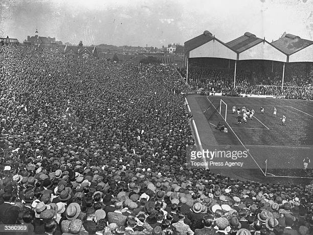 The beginning of the football season sees Arsenal play Birmingham City at Highbury Arsenal's ground in London