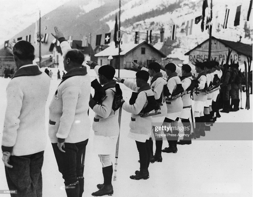 French athletes swear that they will conduct the Winter Olympic Games in a loyal way at the opening of the first Winter Olympics at Chamonix