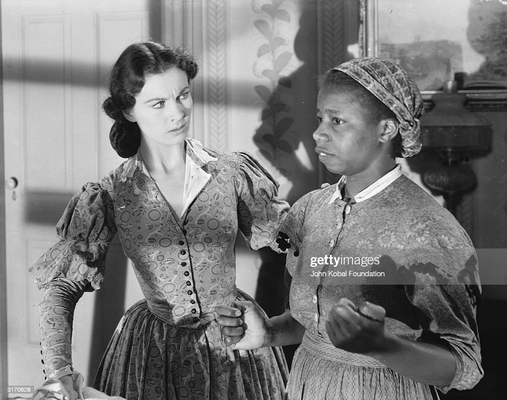 British actress Vivien Leigh (1913 - 1967) with Butterfly McQueen in a scene from the American civil war epic 'Gone With the Wind'.