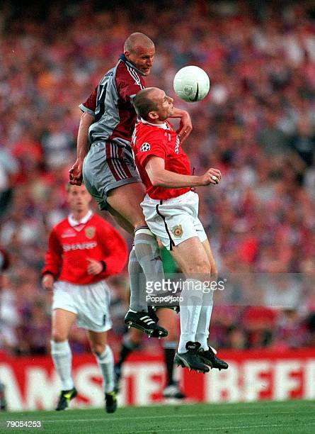 26th MAY 1999 UEFA Champions League Final Barcelona Spain Manchester United 2 v Bayern Munich 1 Manchester United's Jaap Stam jumps for the ball with...