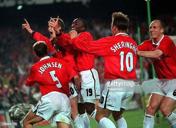 26th MAY 1999 UEFA Champions League Final Barcelona Spain Manchester United 2 v Bayern Munich 1 Manchester United's Ole gunnar Solskjaer is mobbed by...
