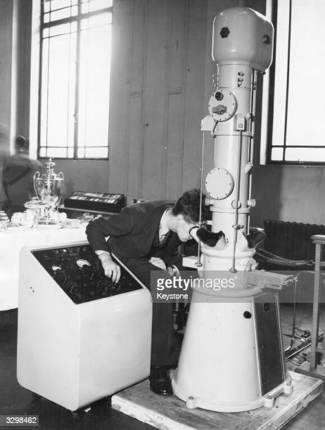 A demonstration of an Electron Microscope at an exhibition organised by the Institute of Physics and the Physical Society in collaboration with the...