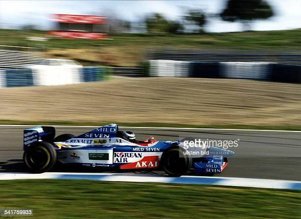 COL* Rennfahrer Formel 1 A Testfahrt im neuen BenettonRenault Februar 1997