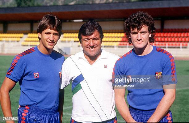 27th July 1986 Barcelona Spain Barcelona manager Terry Venables with his new British signings Gary Lineker and Mark Hughes