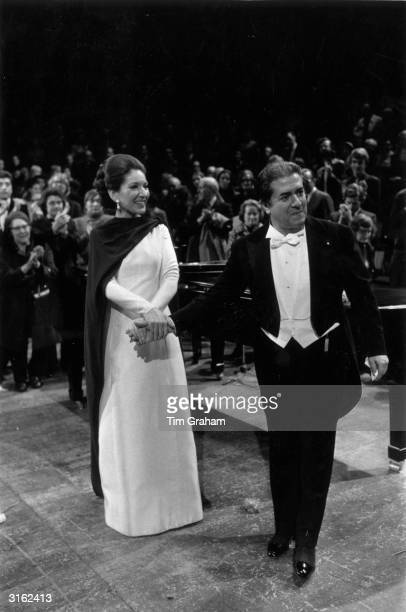 Maria Callas with Italian tenor Giuseppe di Stefano at her farewell concert at the Royal Festival Hall London