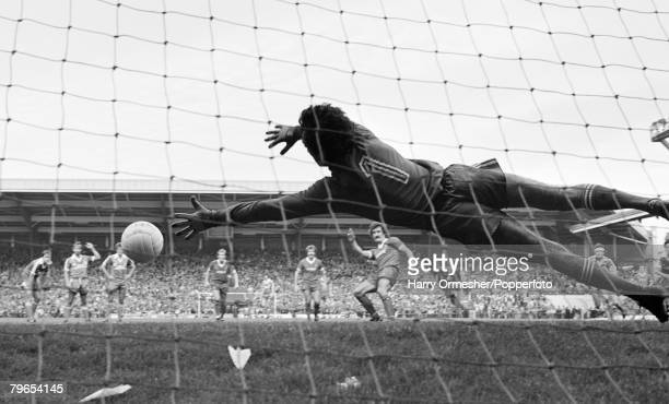 27th September 1980 Anfield Liverpool Liverpool 4 v Brighton Hove Albion 1 Terry McDermott of Liverpool tucks away his penalty past Brighton...