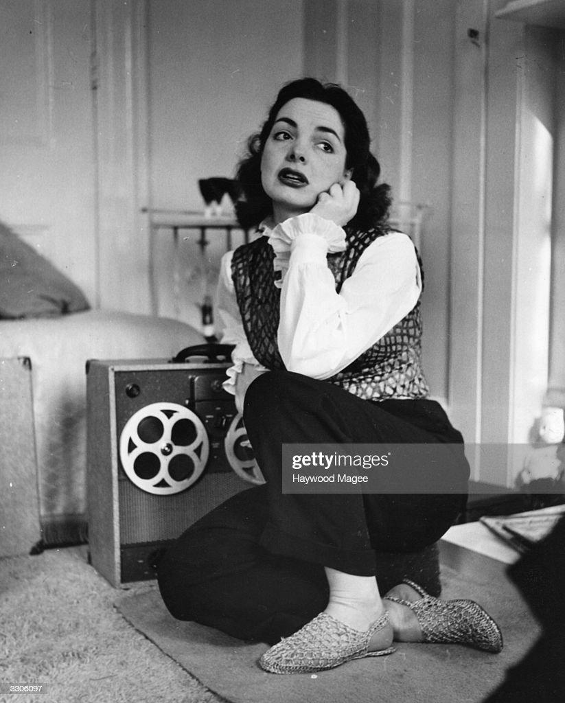 Elizabeth Sellars (1923 - ) the English film actress who plays opposite John Mills in 'The Long Memory'. Original Publication: Picture Post - 5436 - Elizabeth Sellars - pub. 1953