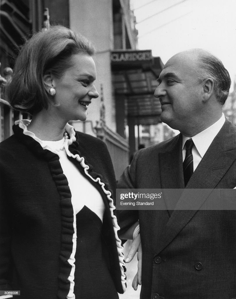 detail news photo english publisher arthur george weidenfeld with wife