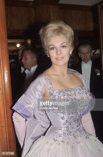 American actress Kim Novak attends the royal film premiere of 'The Last Angry Man' at the Odeon Leicester Square London
