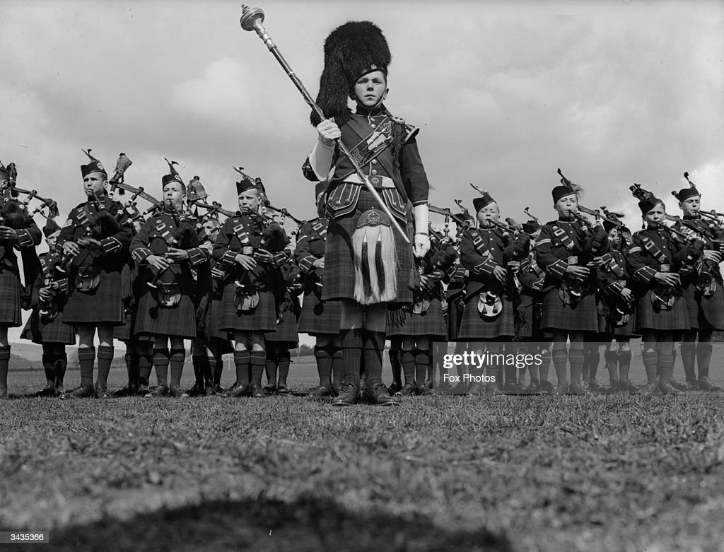 bagpipe band pictures getty images