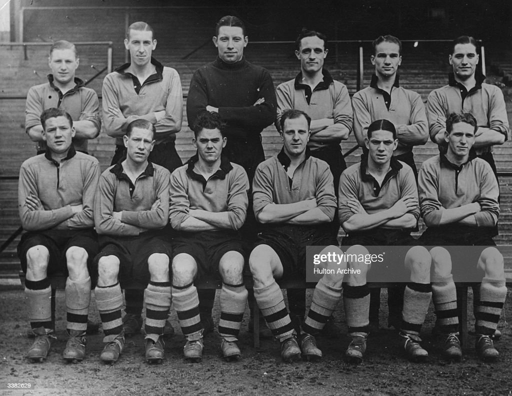 Wolverhampton Wanderers, set to meet Portsmouth in the FA Cup final at Wembley. Left to right (back): J Mullen, Galley, Scott, Morris, Taylor, Gardiner. Left to right (front): Burton, McIntosh, Stan Cullis (1915 - 2001), Dorsett and Maguire.