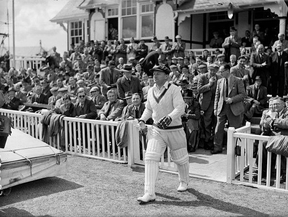 Bradman Walks Out : News Photo