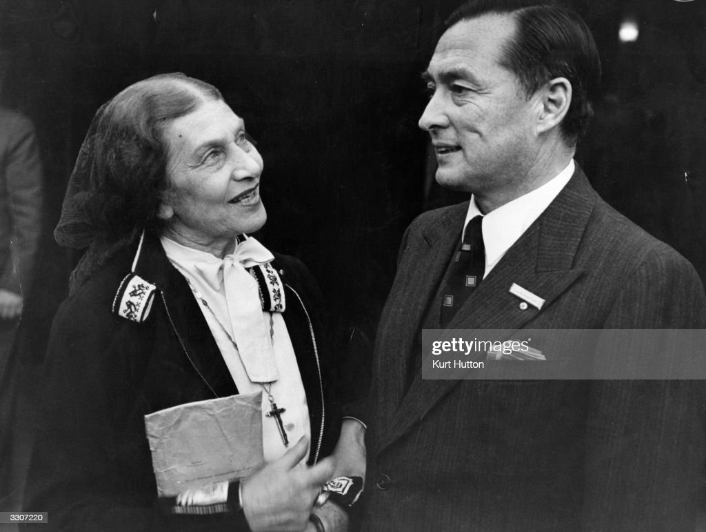Count and Countess CoudenhoveKalergi attend the Hague Congress The Count a writer essayist and political publicist founded the PanEurope Union in...