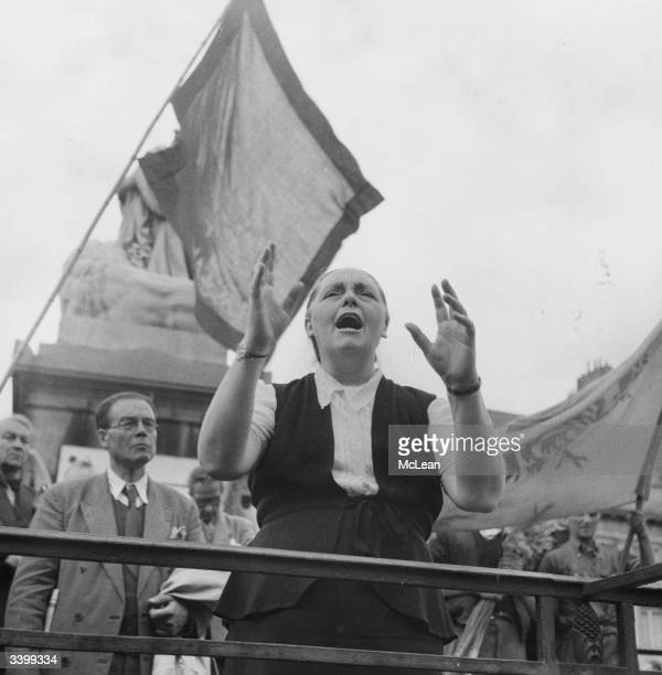 Socialist Deputy Leader Madame Blum announces to crowds in the Place des Martyrs Brussels the abdication of King Leopold III of Belgium in favour of...