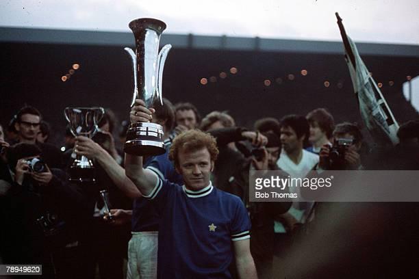 2nd June 1971 UEFA Inter City Fairs Cup Final Second Leg Elland Road Leeds Leeds United 1 v Juventus 1 Leeds United captain Billy Bremner poses with...