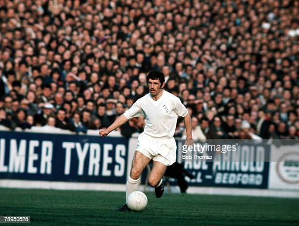 2nd June 1971 UEFA Inter City Fairs Cup Final Second Leg Elland Road Leeds Leeds United 1 v Juventus 1 Leeds United's Johnny Giles runs with the ball