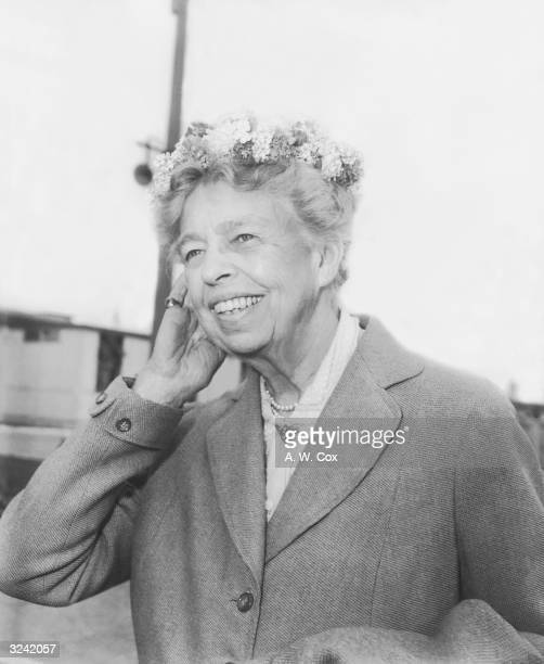 Mrs Eleanor Roosevelt pictured on her arrival in London from New York Her visit to Britain was in connection with the Children and Youth Aliyah...