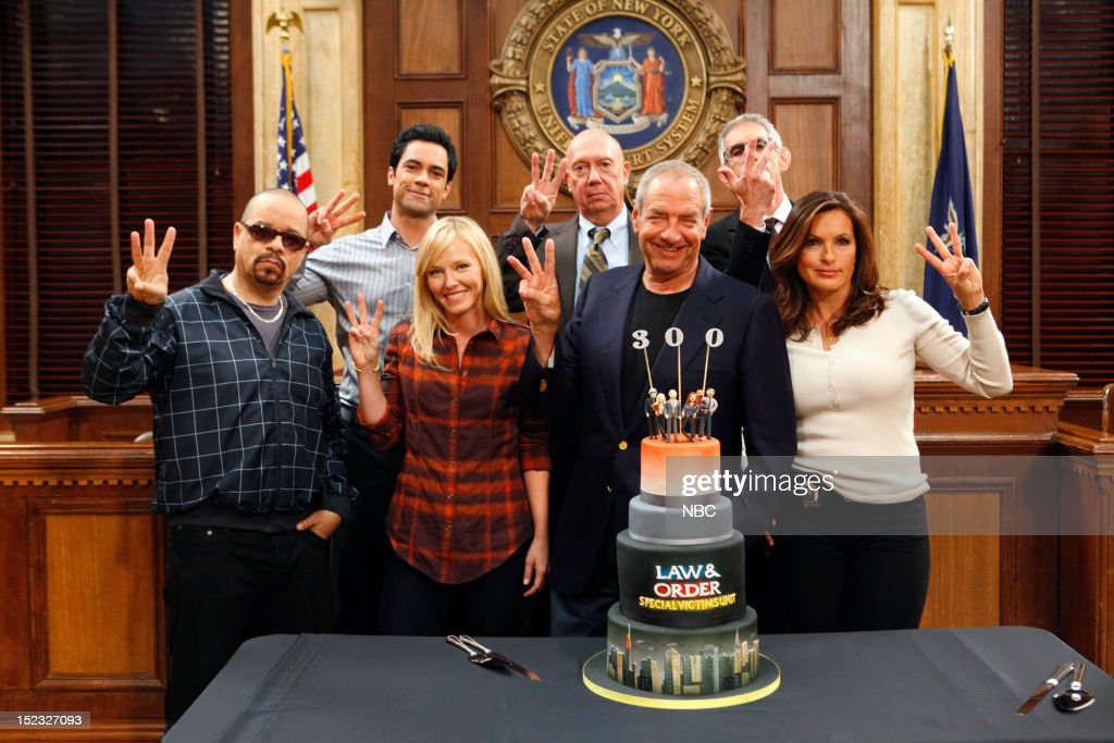 UNIT -- 300th Episode Celebration -- Pictured: (l-r) <a gi-track='captionPersonalityLinkClicked' href=/galleries/search?phrase=Ice-T&family=editorial&specificpeople=213017 ng-click='$event.stopPropagation()'>Ice-T</a> as Detective Odafin 'Fin' Tutuola, <a gi-track='captionPersonalityLinkClicked' href=/galleries/search?phrase=Danny+Pino&family=editorial&specificpeople=240258 ng-click='$event.stopPropagation()'>Danny Pino</a> as Detective Nick Amaro, <a gi-track='captionPersonalityLinkClicked' href=/galleries/search?phrase=Kelli+Giddish&family=editorial&specificpeople=2159135 ng-click='$event.stopPropagation()'>Kelli Giddish</a> as Detective Amanda Rollins, <a gi-track='captionPersonalityLinkClicked' href=/galleries/search?phrase=Dann+Florek&family=editorial&specificpeople=842370 ng-click='$event.stopPropagation()'>Dann Florek</a> as Captain Donald Cragen, Executive Producer <a gi-track='captionPersonalityLinkClicked' href=/galleries/search?phrase=Dick+Wolf&family=editorial&specificpeople=210651 ng-click='$event.stopPropagation()'>Dick Wolf</a>, <a gi-track='captionPersonalityLinkClicked' href=/galleries/search?phrase=Richard+Belzer&family=editorial&specificpeople=206227 ng-click='$event.stopPropagation()'>Richard Belzer</a> as Detective John Munch, <a gi-track='captionPersonalityLinkClicked' href=/galleries/search?phrase=Mariska+Hargitay&family=editorial&specificpeople=204727 ng-click='$event.stopPropagation()'>Mariska Hargitay</a> as Detective Olivia Benson --