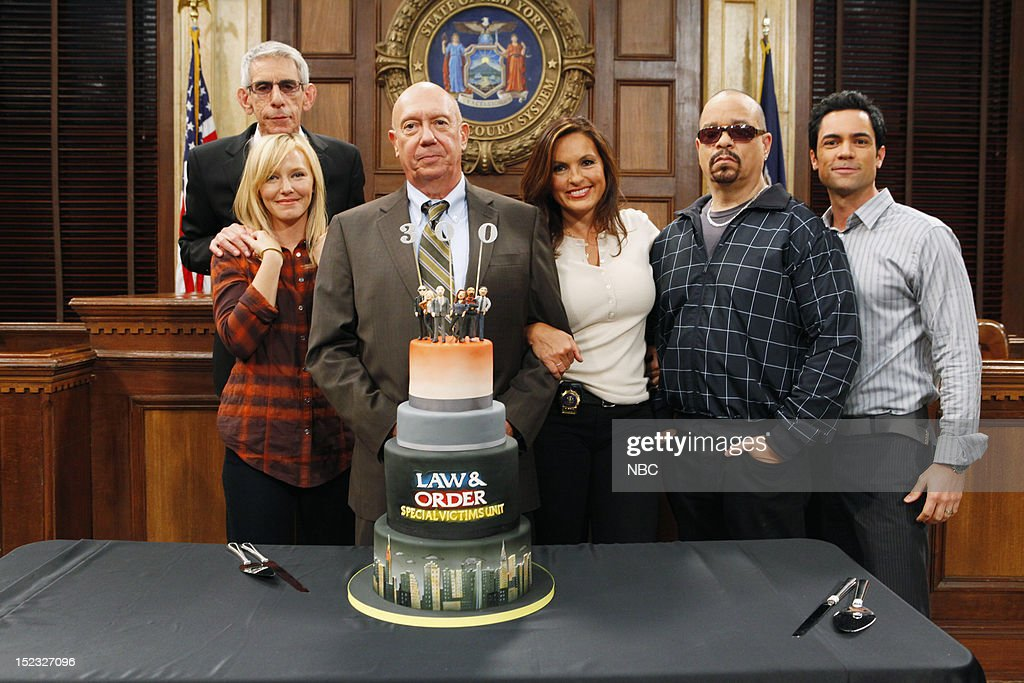 UNIT -- 300th Episode Celebration -- Pictured: (l-r) <a gi-track='captionPersonalityLinkClicked' href=/galleries/search?phrase=Richard+Belzer&family=editorial&specificpeople=206227 ng-click='$event.stopPropagation()'>Richard Belzer</a> as Detective John Munch, <a gi-track='captionPersonalityLinkClicked' href=/galleries/search?phrase=Kelli+Giddish&family=editorial&specificpeople=2159135 ng-click='$event.stopPropagation()'>Kelli Giddish</a> as Detective Amanda Rollins, <a gi-track='captionPersonalityLinkClicked' href=/galleries/search?phrase=Dann+Florek&family=editorial&specificpeople=842370 ng-click='$event.stopPropagation()'>Dann Florek</a> as Captain Donald Cragen, <a gi-track='captionPersonalityLinkClicked' href=/galleries/search?phrase=Mariska+Hargitay&family=editorial&specificpeople=204727 ng-click='$event.stopPropagation()'>Mariska Hargitay</a> as Detective Olivia Benson, <a gi-track='captionPersonalityLinkClicked' href=/galleries/search?phrase=Ice-T&family=editorial&specificpeople=213017 ng-click='$event.stopPropagation()'>Ice-T</a> as Detective Odafin 'Fin' Tutuola, <a gi-track='captionPersonalityLinkClicked' href=/galleries/search?phrase=Danny+Pino&family=editorial&specificpeople=240258 ng-click='$event.stopPropagation()'>Danny Pino</a> as Detective Nick Amaro --