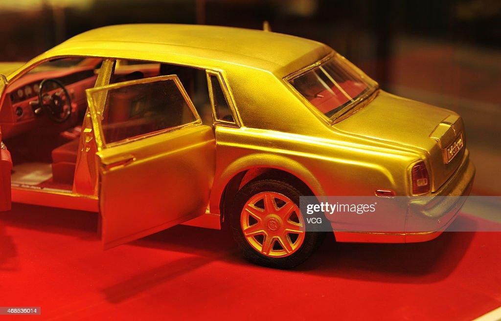 Five Kilograms Of Gold Rolls Royce Model In Shenyang