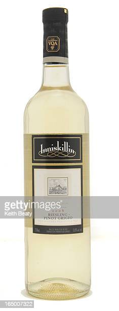 30dec2009 wine for Gord Stimmel column Inniskillin Pinot Grigio Riesling Photo Keith Beaty