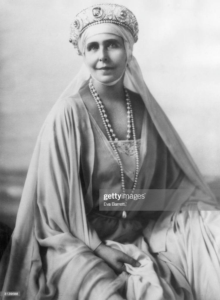 Queen Marie of Romania in the Palace of Cotreconi in Bucharest.