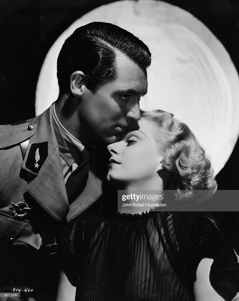 Jean Harlow and Cary Grant (1904 - 1986), stars of the film 'Suzy', directed by George Fitzmaurice for MGM.