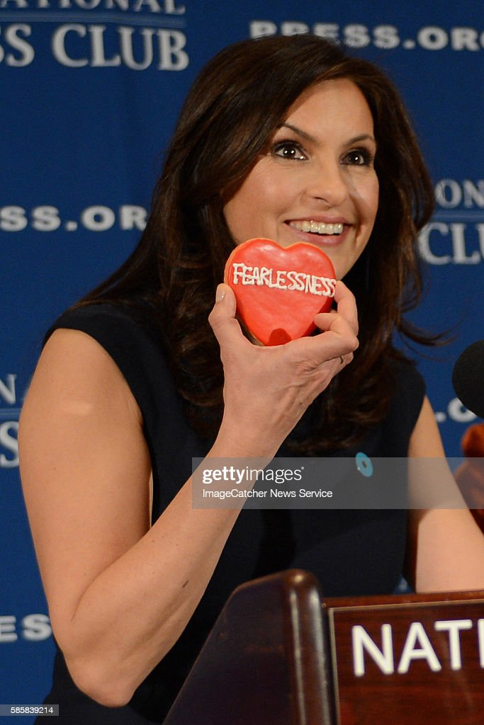 The National Press Club Washington DC TV Star Mariska Hargitay of Law and Order SUV speaks to reporters about founding the Joyful Heart Foundation...