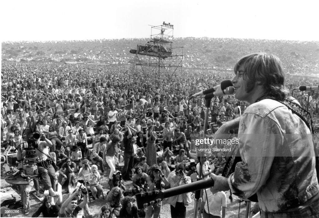 American singer songwriter John Sebastian performing at the Isle of Wight pop festival