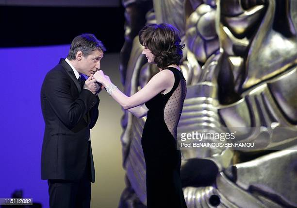 31st Cesars Awards ceremony in Paris France on February 25 2006 Antoine de Caunes and Valerie Lemercier