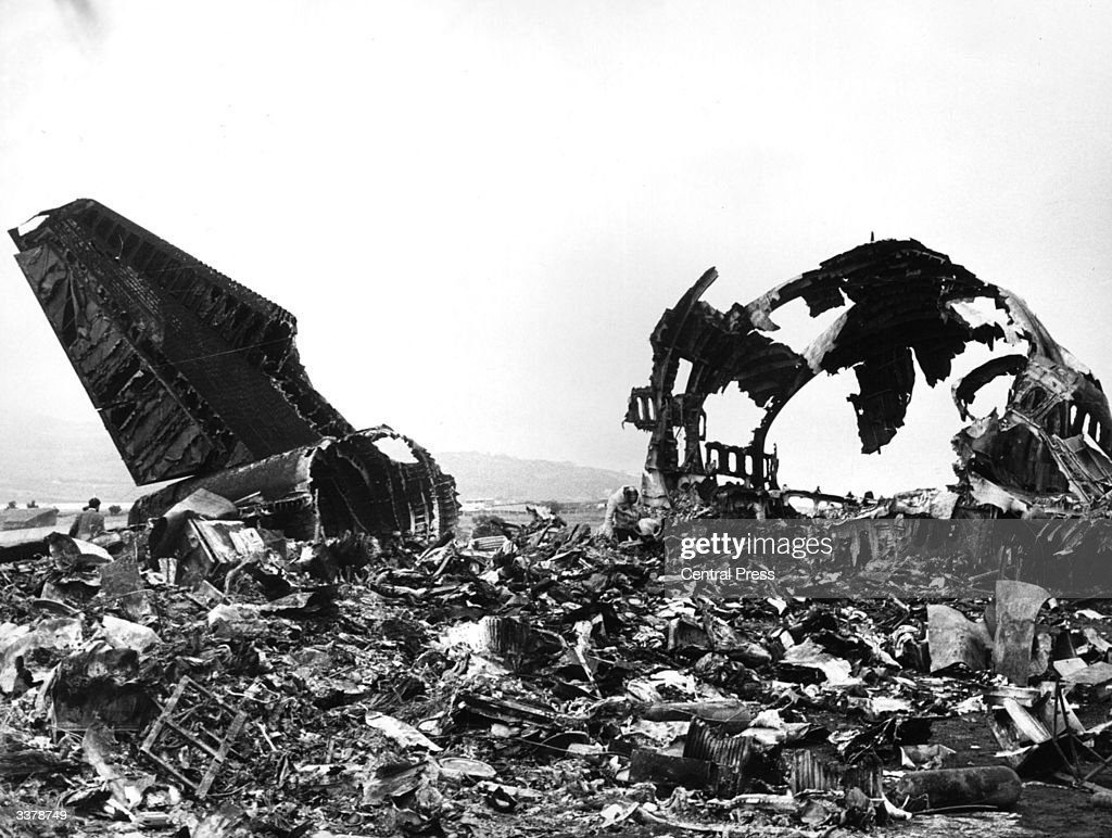 562 were killed when a Pan-Am Plane collided with a KLM Jumbo in fog at Saint Cruz airport in the Canary Islands.