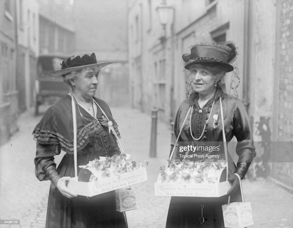 Lady Hanbury Williams and Mrs Schlater selling flags on Soldier's Day.