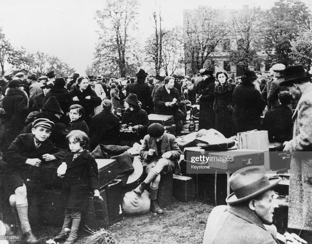 7000 Jews expelled from Germany by the Gestapo and living in Zbaszyn on the PolishGerman border More than a thousand are staying in a stable and...