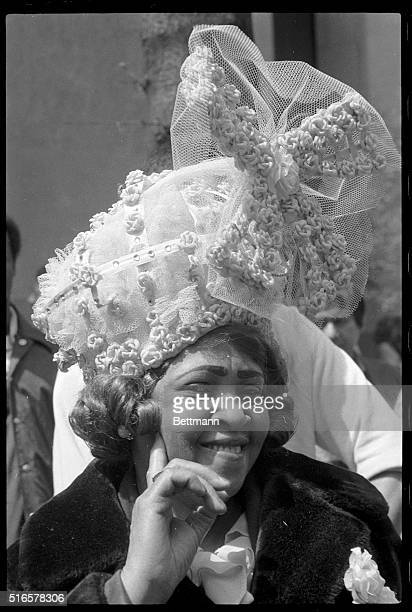 4/19/1981New York NY Fashion finery was the star attraction as thousands of paradecrazed New Yorkers crammed the curbs of Fifth Avenue for the...