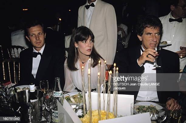 Opening Dinner Le 42ème Festival de CANNES se déroule du 11 au 23 mai la princesse CAROLINE DE MONACO attablée entre son mari Stefano CASIRAGHI et...