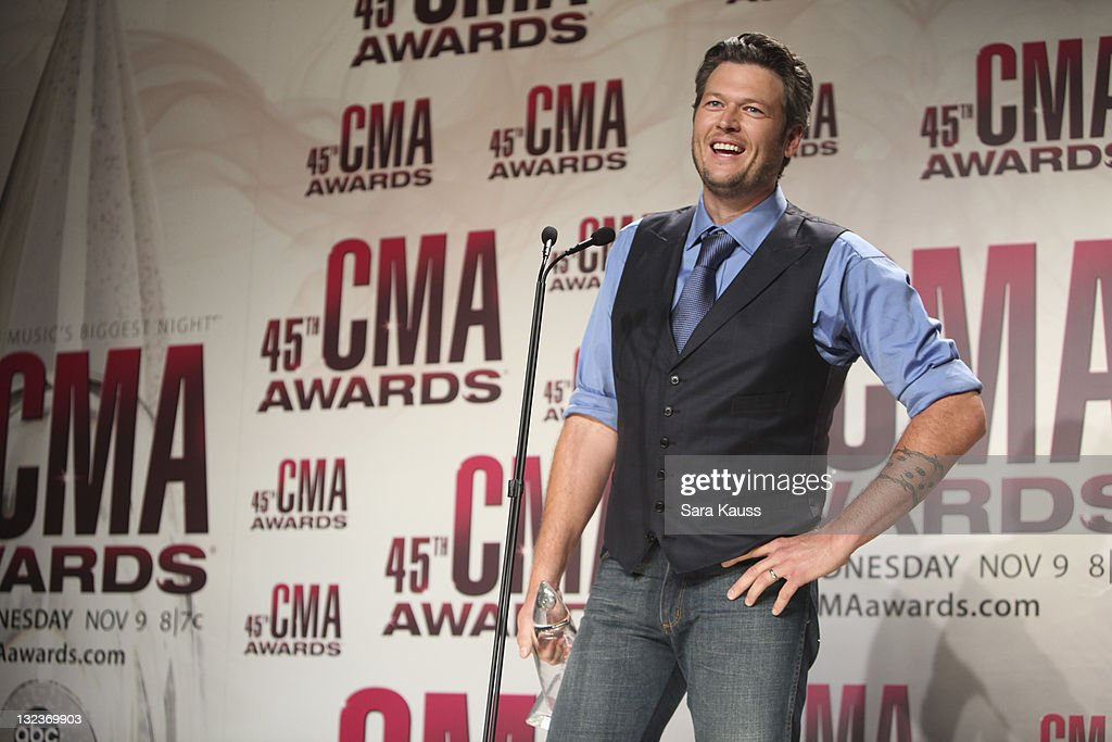 THE 45th ANNUAL CMA AWARDS - GENERAL - 'The 45th Annual CMA Awards' broadcast live on ABC from the Bridgestone Arena in Nashville on WEDNESDAY, NOVEMBER 9 (8:00-11:00 p.m., ET). ((Photo by Sara Kauss / ABC via Getty Images)BLAKE