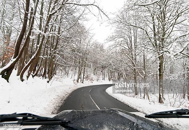 ドライブ 4 x 4 の冬